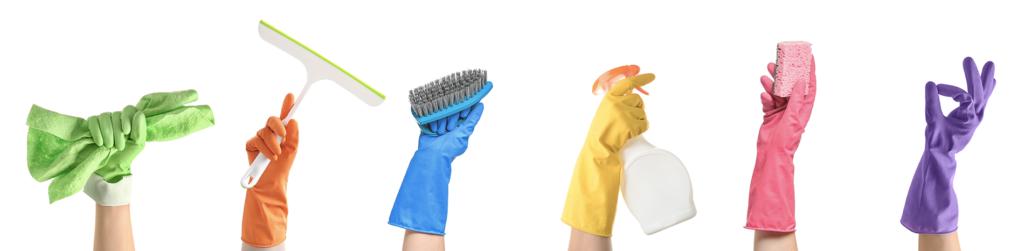Photo de gant avec du matériel de nettoyage pour des emplois dans le nettoyage à biarritz