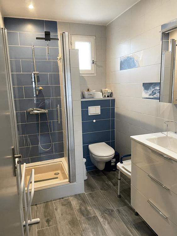 salle d'eau d'une maison secondaire en conciergerie à biarritz