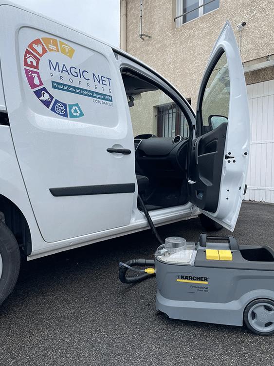 Photo d'un nettoyage par injection et extraction d'une voiture magicnet à Biarritz